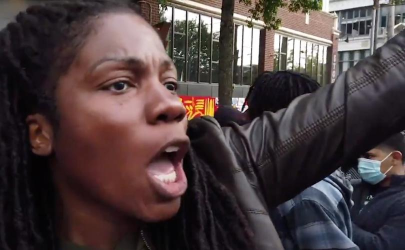 Black Woman Tells BLM in CHAZ/CHOP Territory that Planned Parenthood is #1 Black Killer