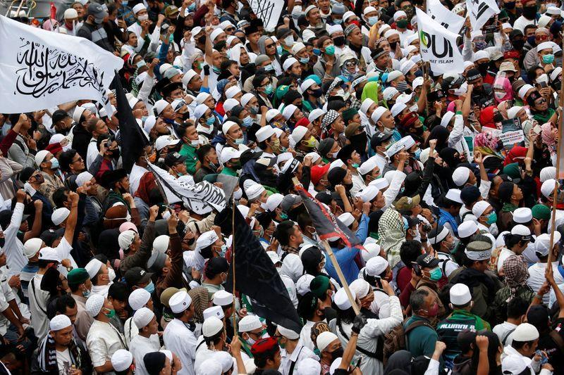 Huge Islamist Protests InBangladesh & Indonesia Demand Governments Sever Ties With France