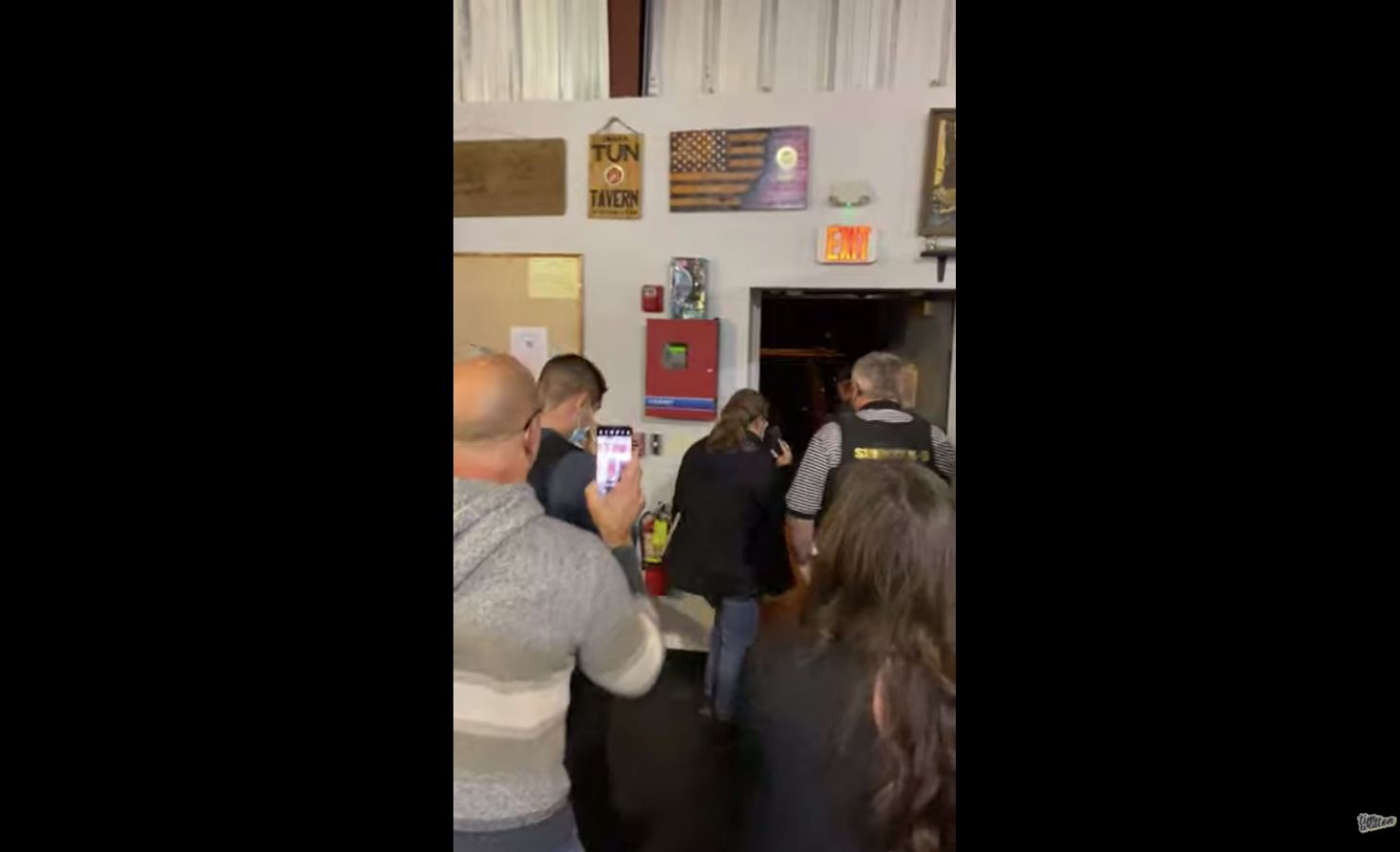 Watch as NY Business Owners Stand Up to Cuomo's COVID Restrictions, Chase Agents Out of Building