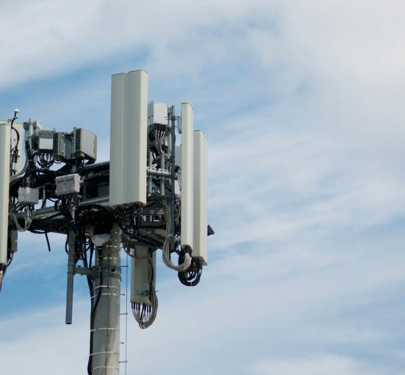 Canada WarnsConspiracy TheoristsCould Burn 5G Towers, Claiming Link To Virus