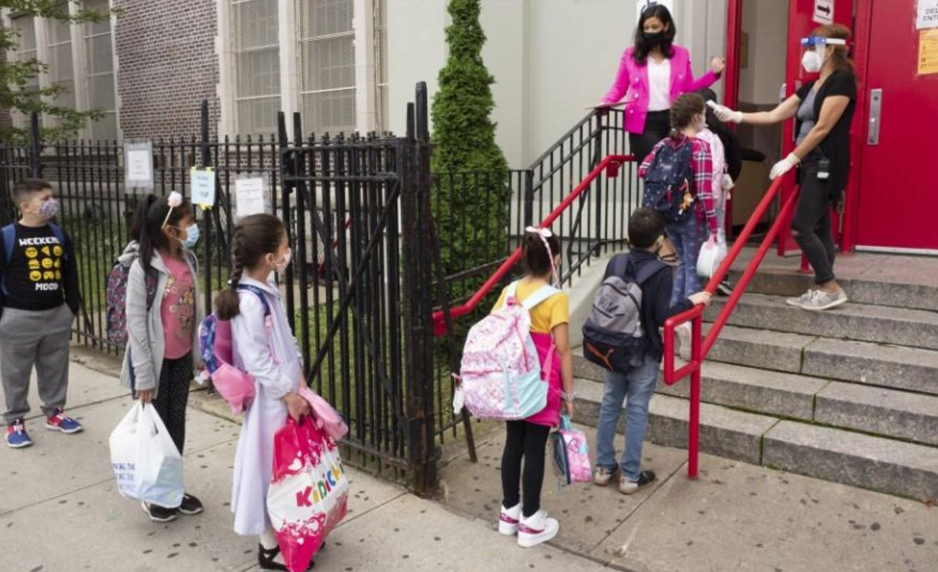 12,000 NYC Students Banned From School For Not Consenting To Random Covid Testing