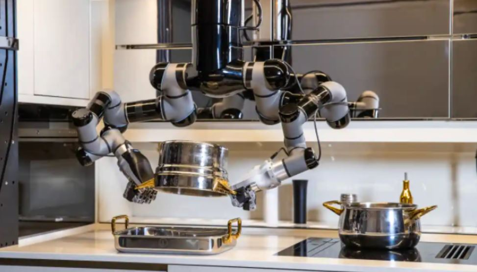 World's First Robotic Kitchen For Consumers Can Whip Up 5,000 Recipes