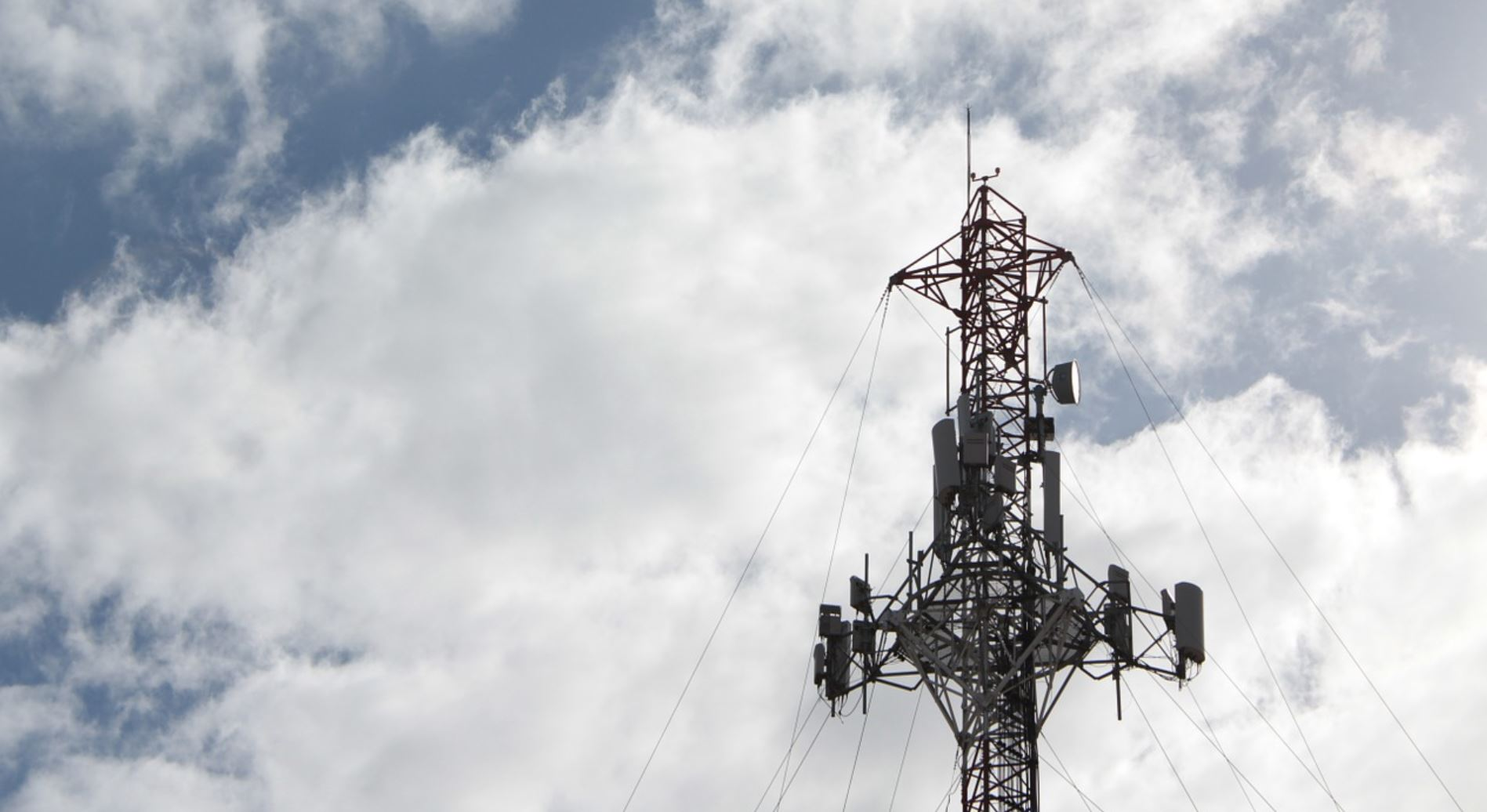 Court Ruling: Health Impact of Radiation Exposure from Cell Tower Cannot Be Excluded (Netherlands)
