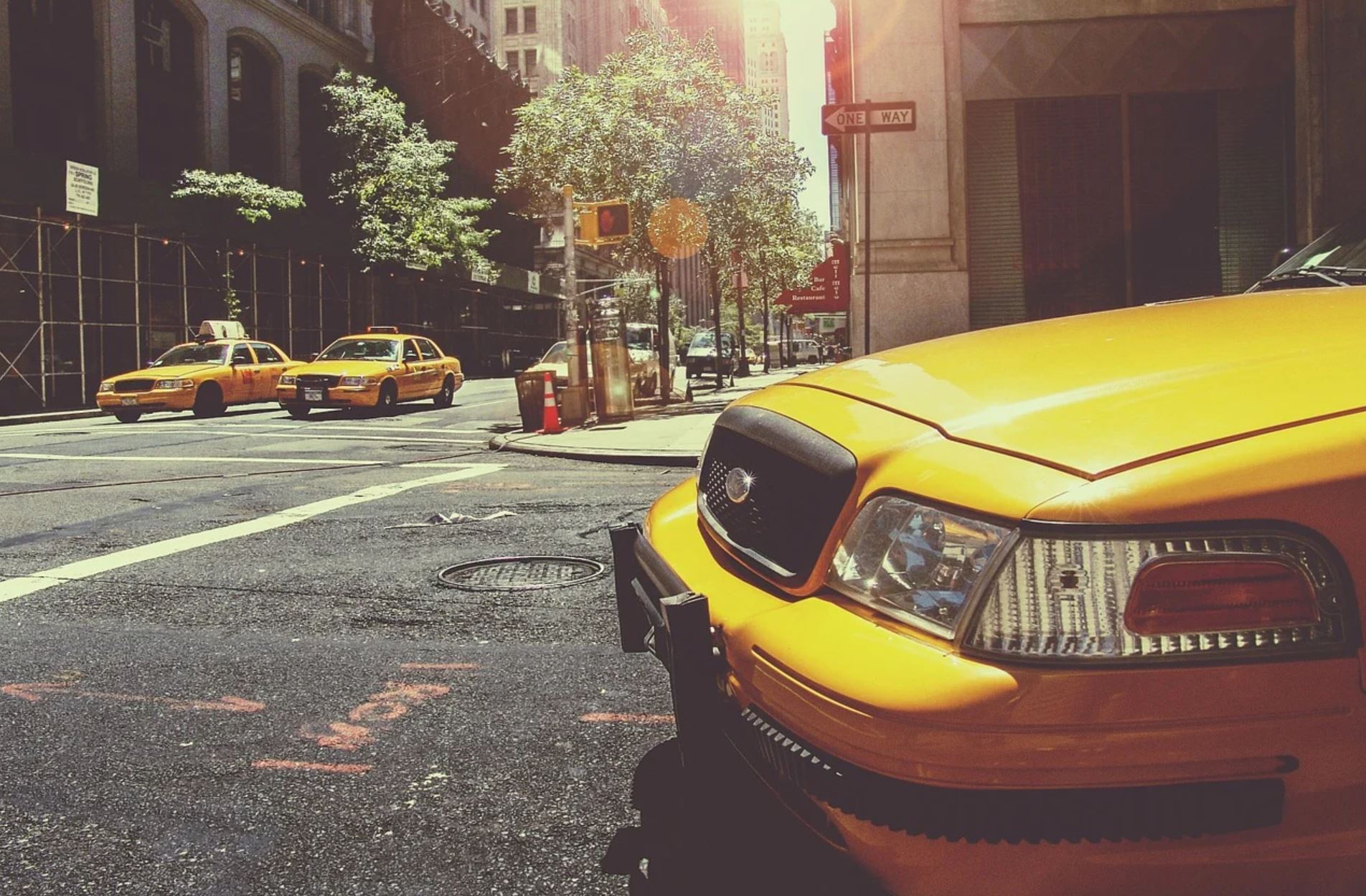 """""""It's A Ghost Town"""" – Debt-Laden NYC Taxi Drivers In Dire Straits"""