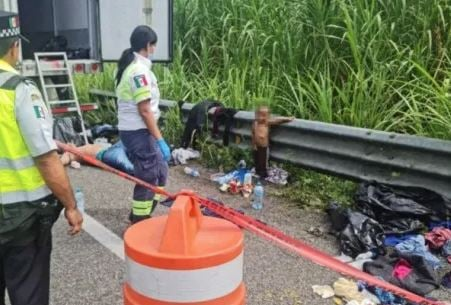 2-Year-Old Migrant Child Dropped Off on Mexican Highway Next to Corpse